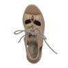 Nudefarbene Sandaletten mit Schnürung