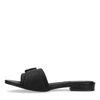 Zwarte slippers met gesp