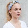 Witte haarband met zwarte strepen