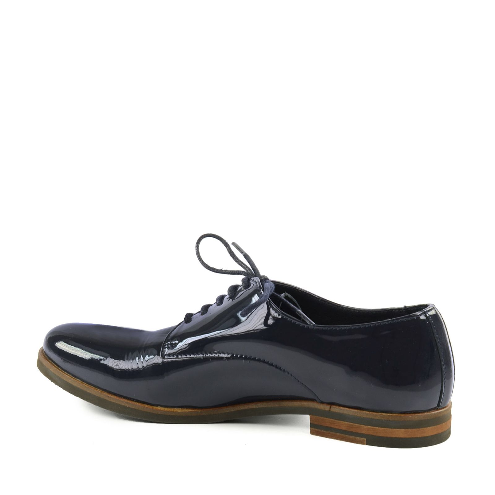 chaussures lacets vernies