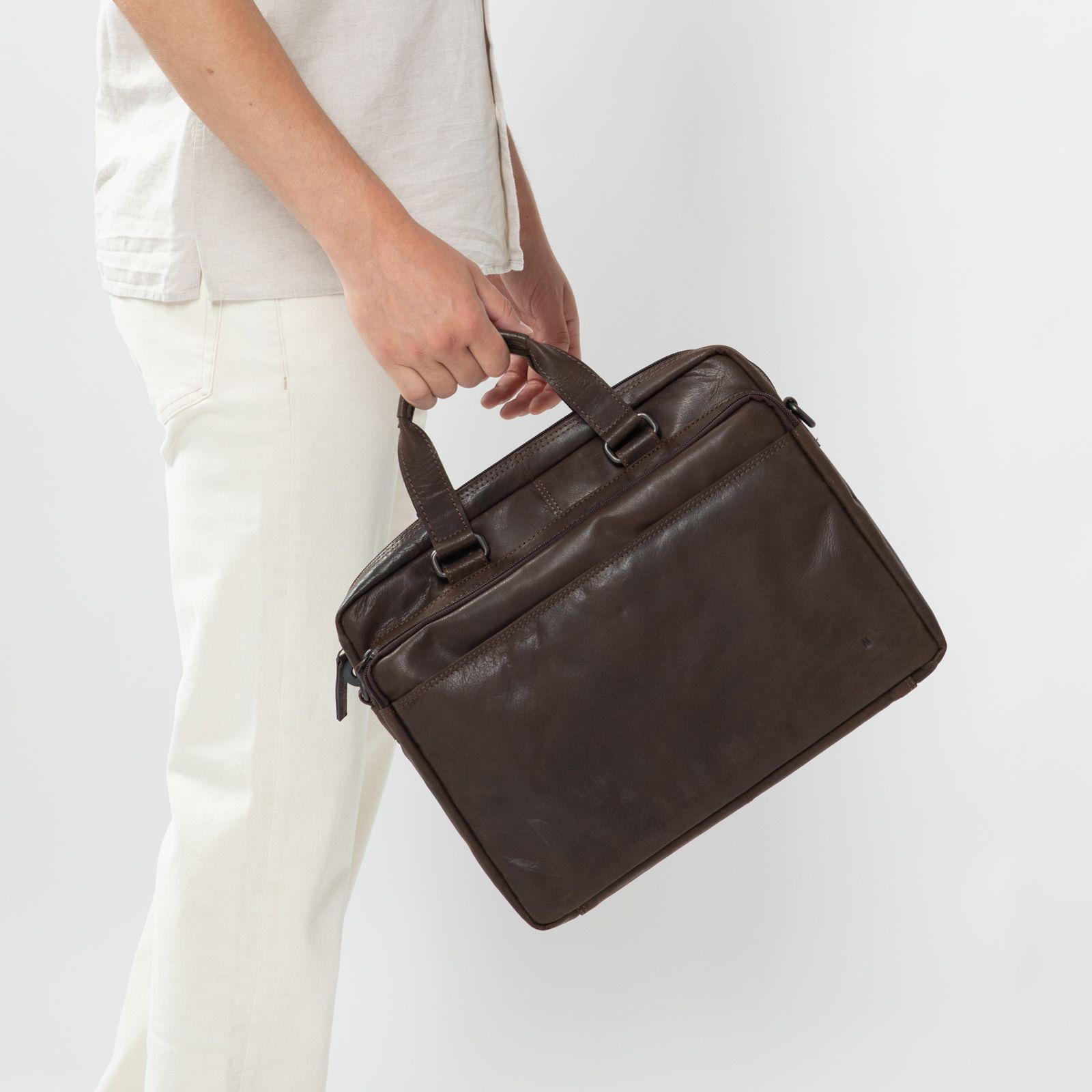Zalando Bruine Tassen : Bruine laptoptas tassen manfield