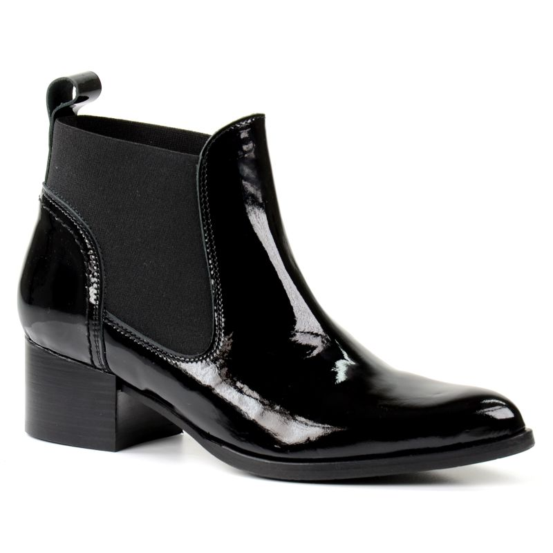 Spitze Chelsea-Boots aus Lackleder - schwarz