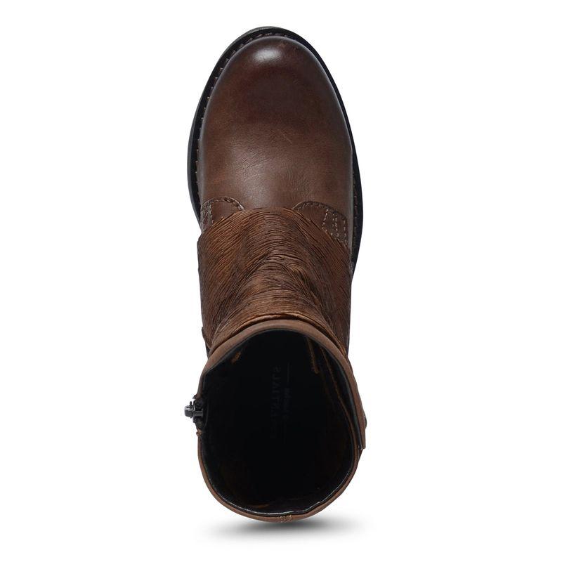 Kurze braune Stiefel
