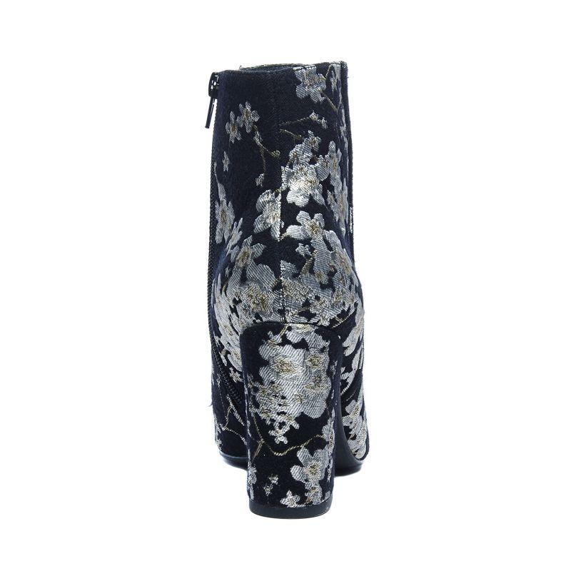 Schwarze Stiefeletten mit Blumenmuster