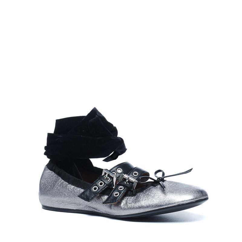 Zilveren ballerina's met gespjes en fluwelen lace-up