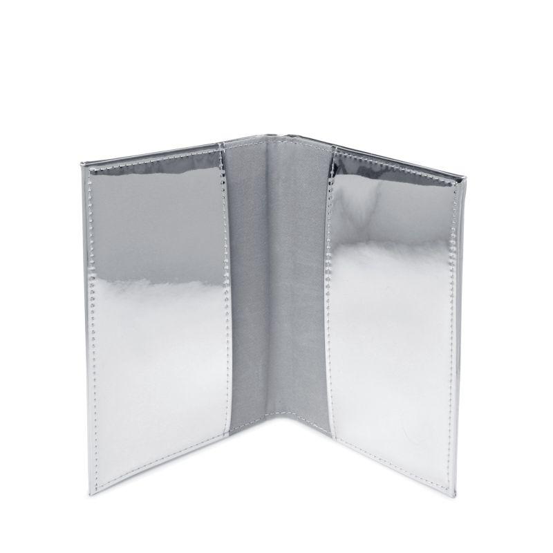 Paspoort hoesje metallic zilver