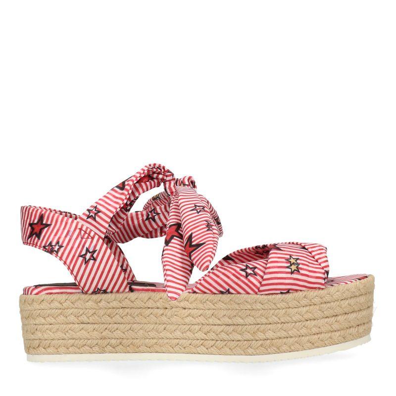 Plateau sandalen met stepen