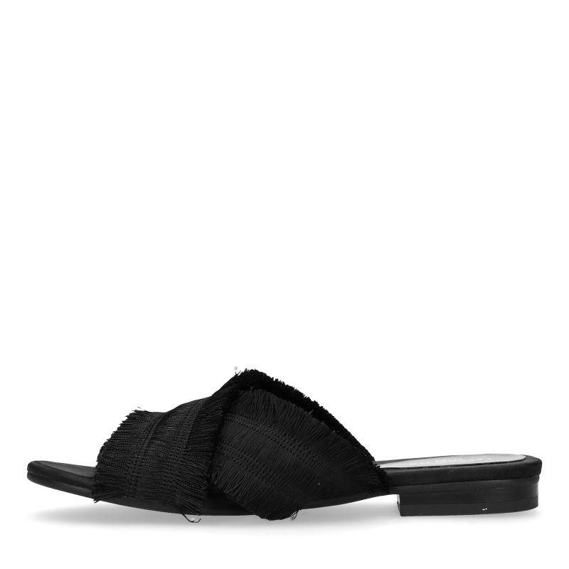 Zwarte slippers met franjes