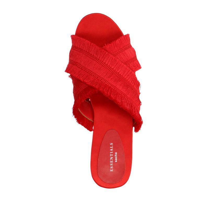 Rode slippers met franjes