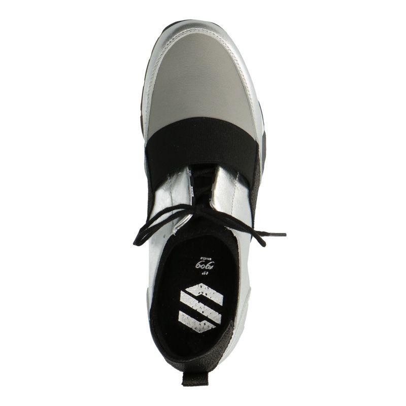 Zilverkleurige sneakers