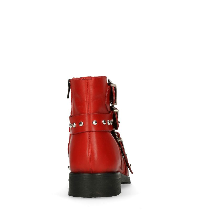 Rote Buckle Boots