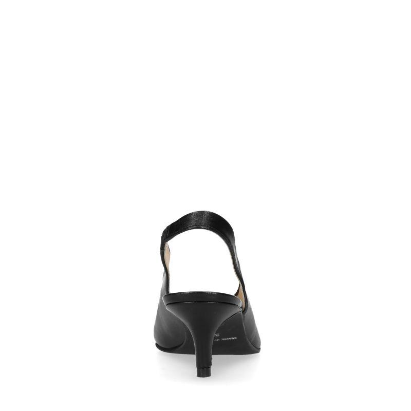 Zwarte slingback pumps met kitten heel