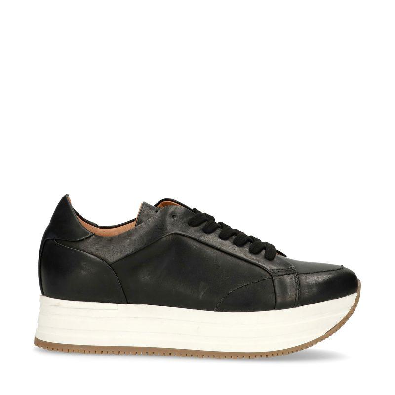 Zwarte platform sneakers met witte zool
