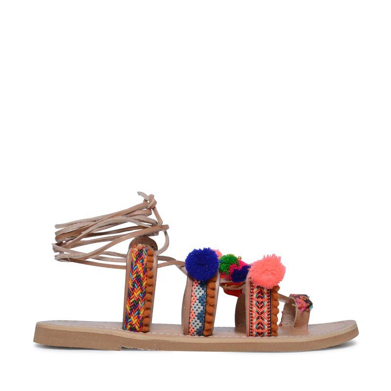 cognacfarbene sandalen mit pom poms damenschuhe 25. Black Bedroom Furniture Sets. Home Design Ideas