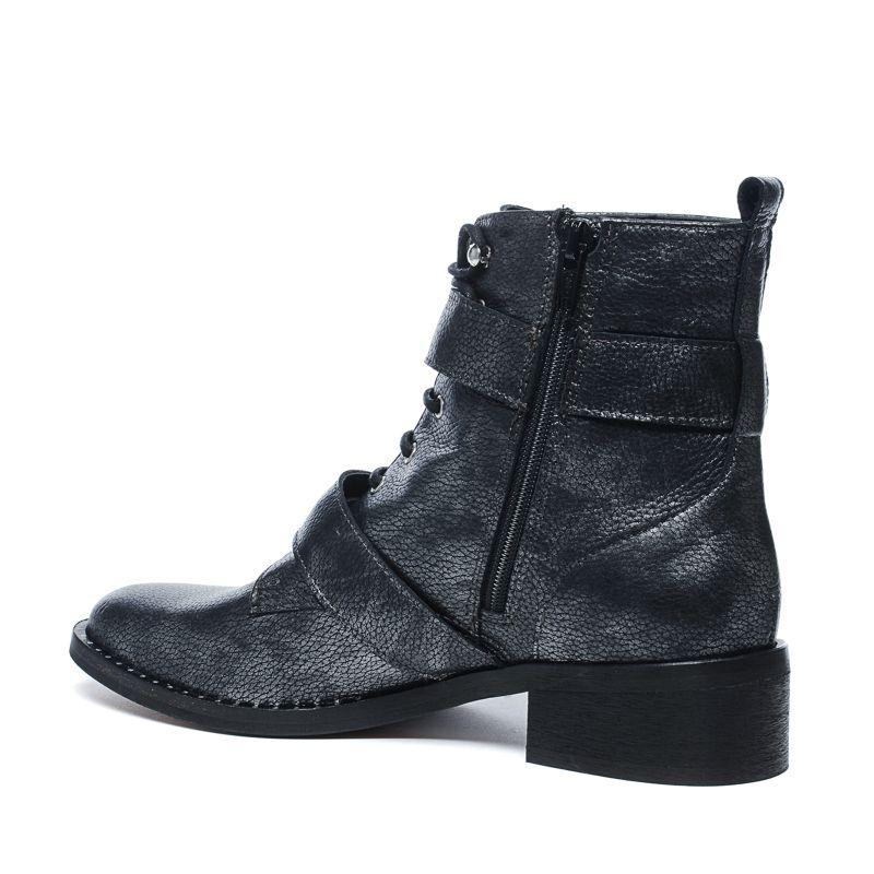 biker boots im metallic look mit schnallen und nieten. Black Bedroom Furniture Sets. Home Design Ideas