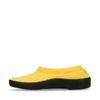 Gelbe Slip-ons aus Stoff