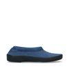 Blaue Slip-ons aus Stoff