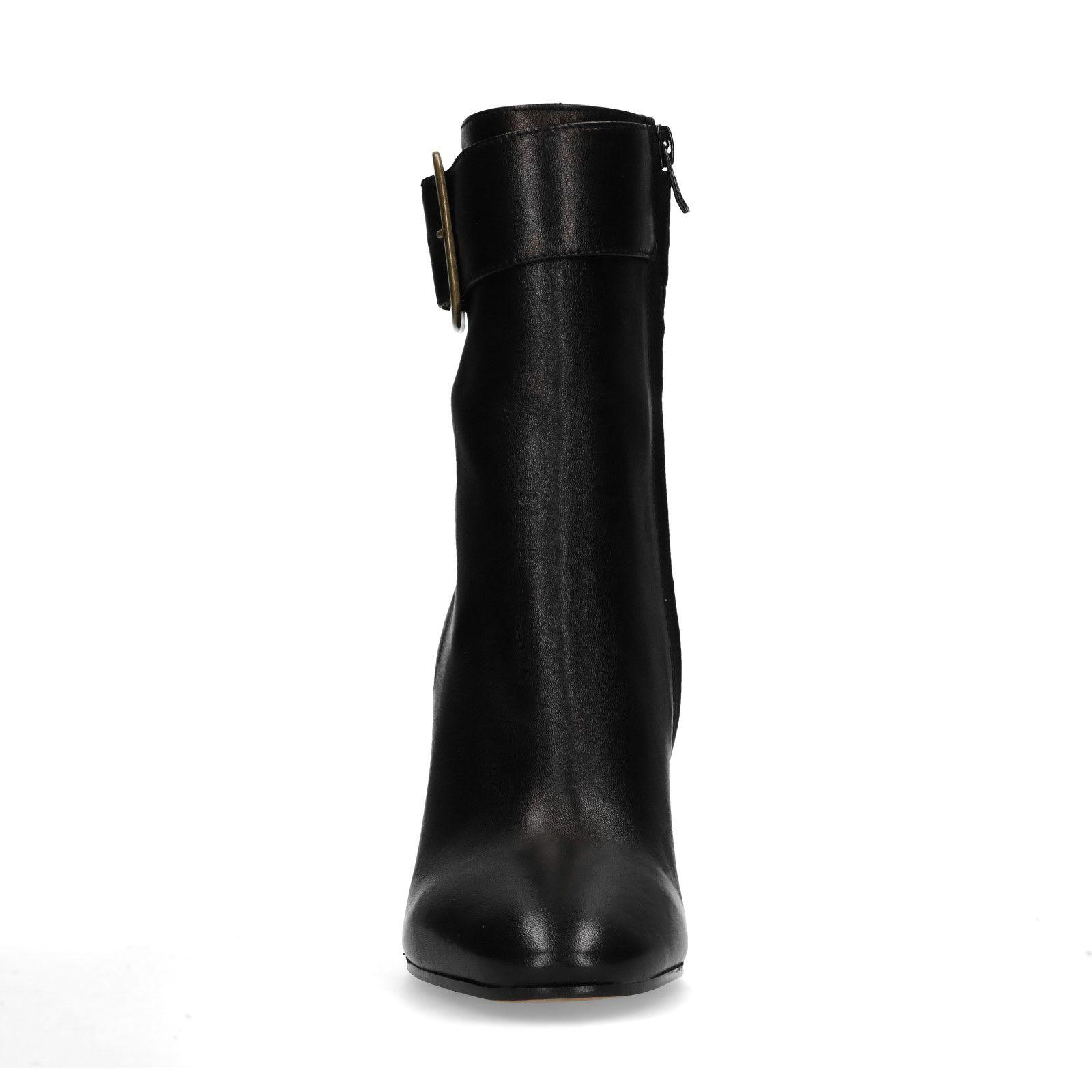 outlet store d9552 f87ed Kurze schwarze Stiefel mit Absatz und Schnalle
