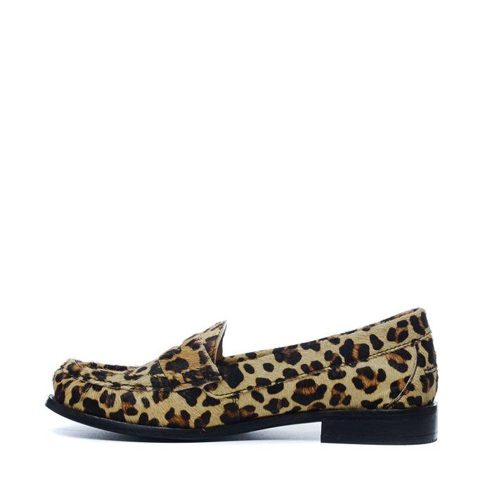 Luipaard print loafers