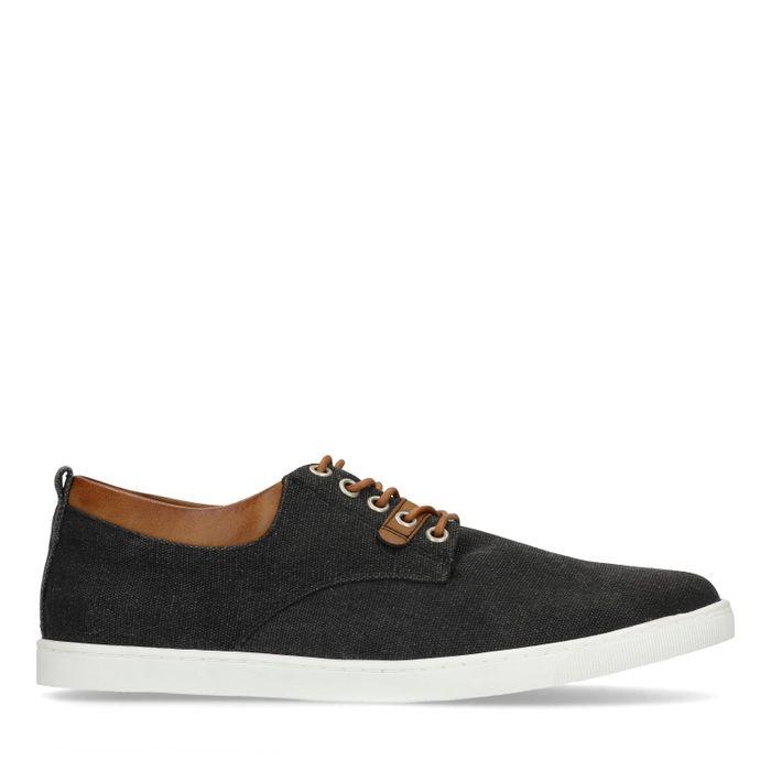 Zwarte veterschoenen met bruine details