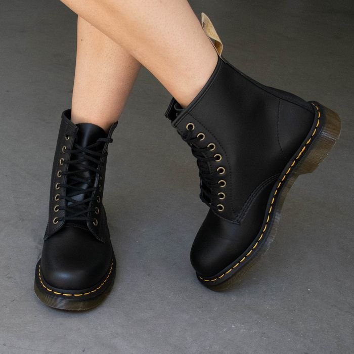 Dr. Martens Vegan 1460 Felix Rub Off