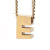 LUZ - breloque dorée lettre E