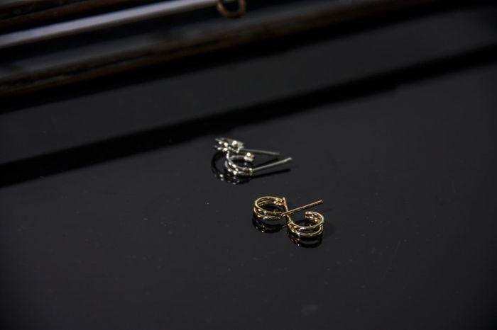 LUZ – doppelte Ohrringe gold