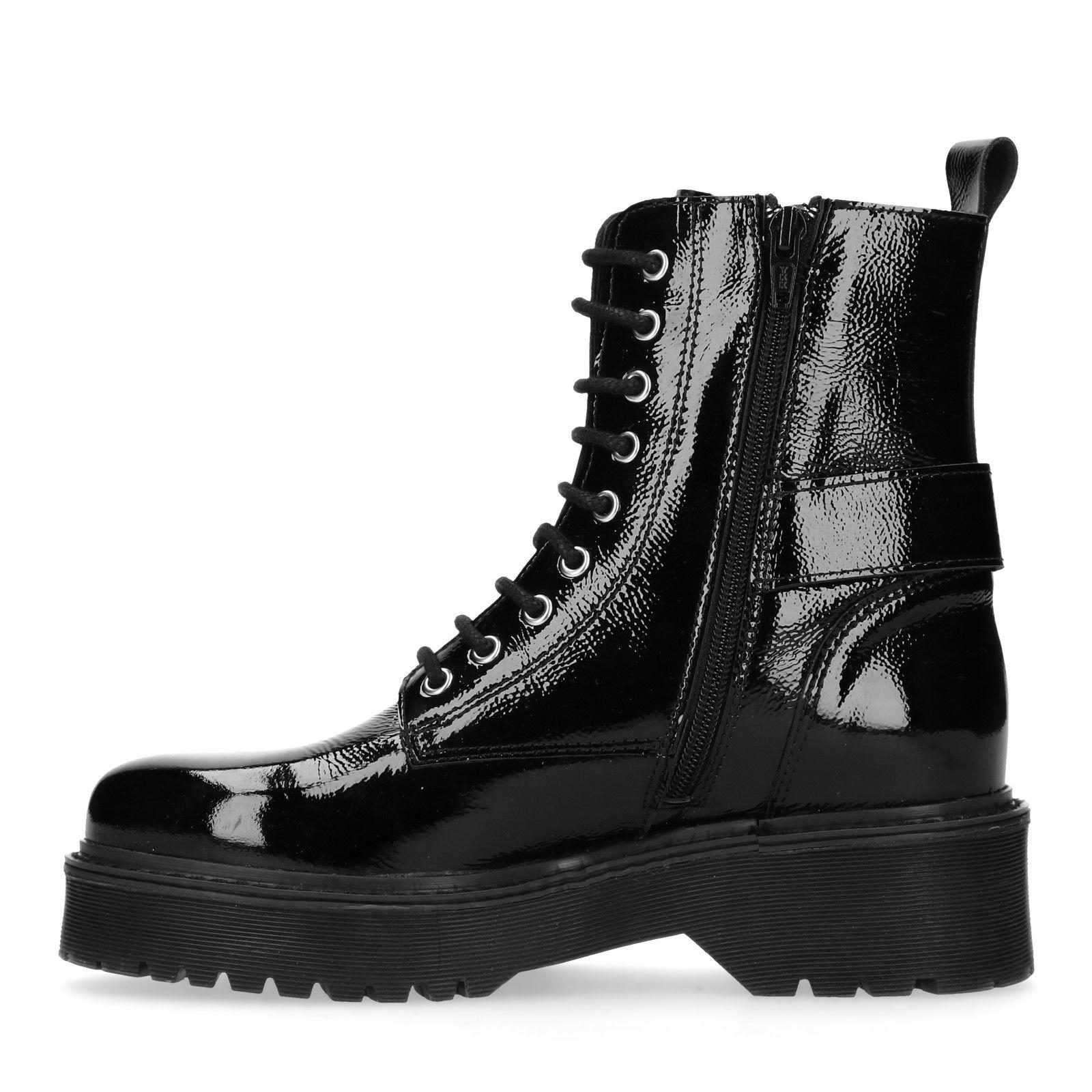 Lack Mit Boots Boots Schwarze Lack Mit Schwarze Schnalle 3qR4L5Aj