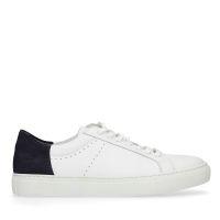 b78800ac1a2 Manfield X Robert Witte sneakers met donkerblauw detail € 99, Shop nu >