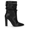 Kurze schwarze Stiefel mit Absatz