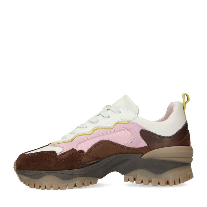 Queen of Jetlags x Sacha bruine sneakers met roze details