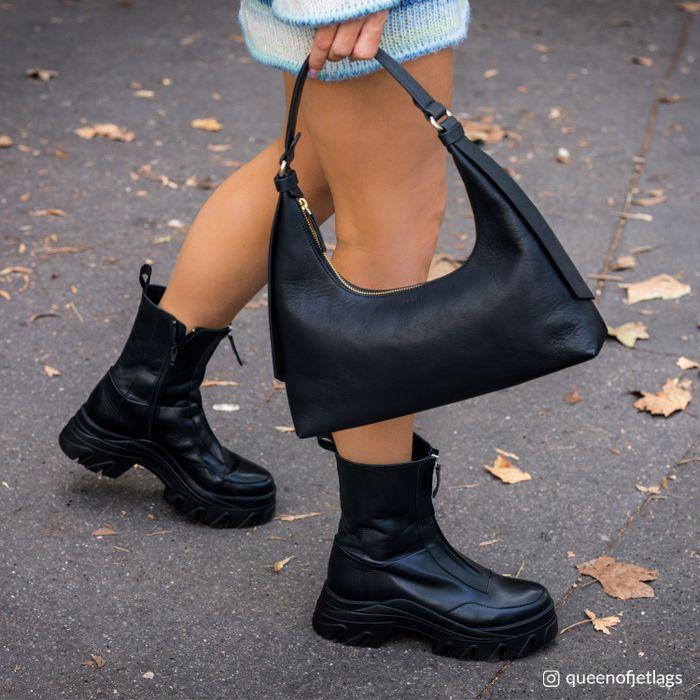 Queen of Jetlags x Sacha bruine boots