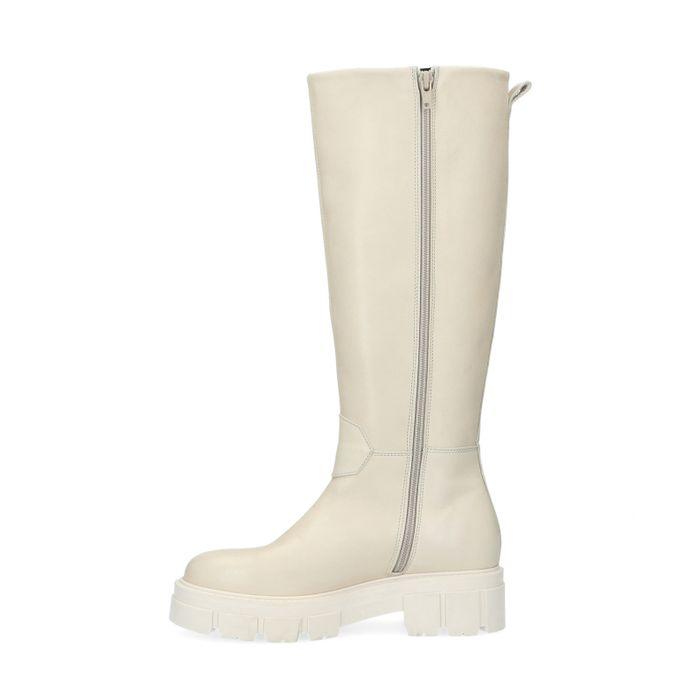 Queen of Jetlags x Sacha off white hoge chelsea boots