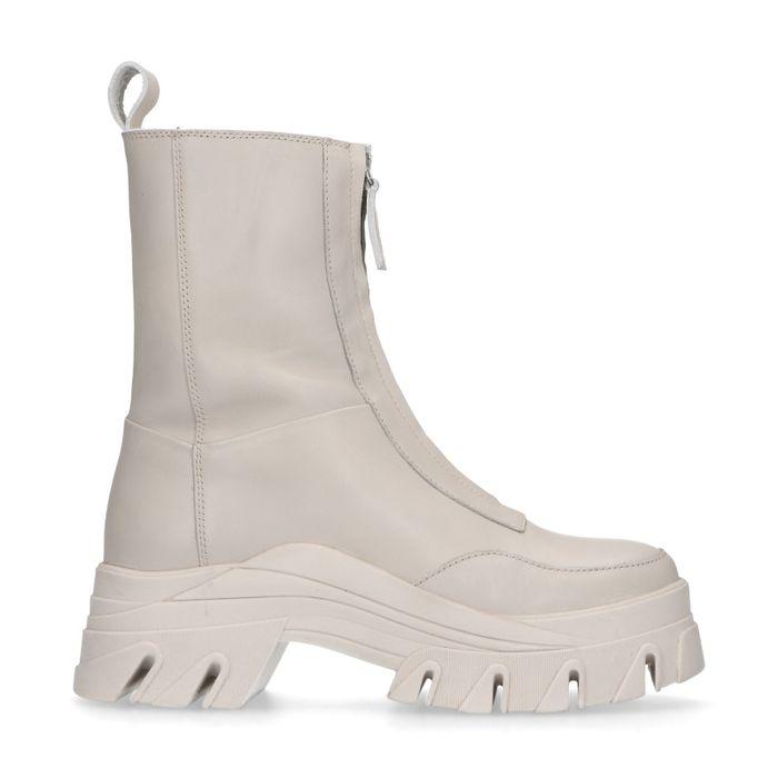 Queen of Jetlags x Sacha latte boots