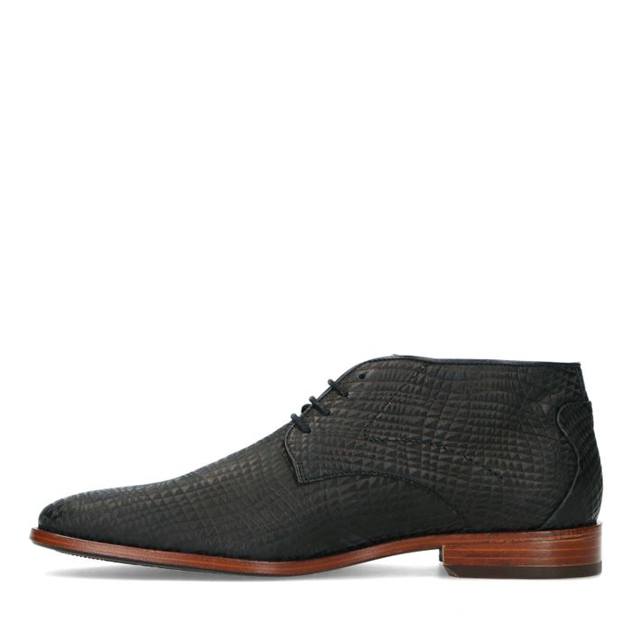 REHAB Chaussures à lacets avec imprimé triangles - noir