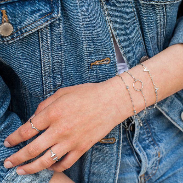 Bracelet argenté avec cercle