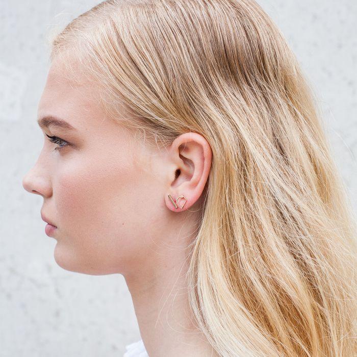 Clous d'oreille barre argentés