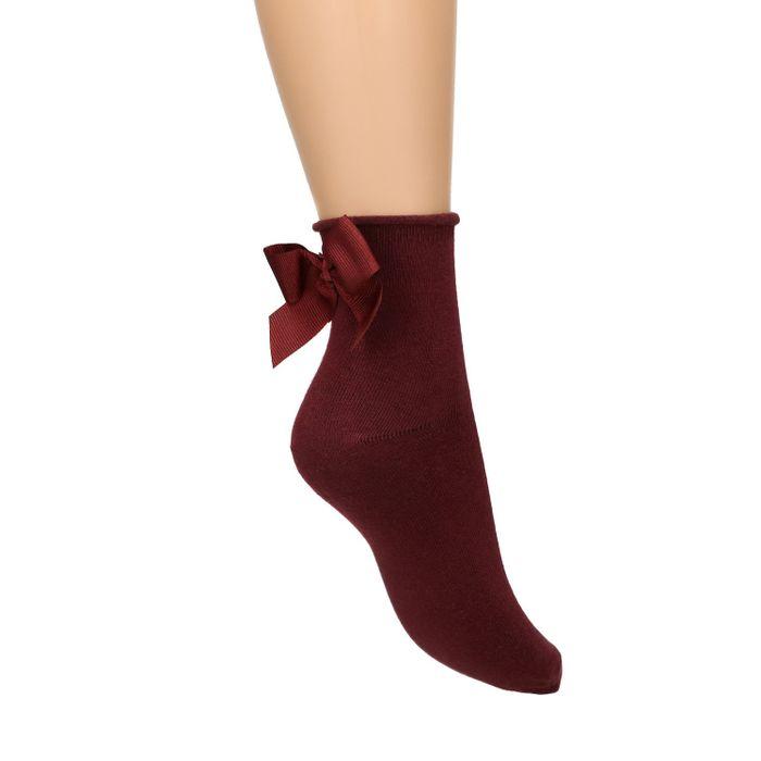 Bordeauxrote Socken mit Schleife