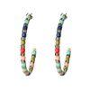 Goldfarbene Creolen mit farbigen Perlen