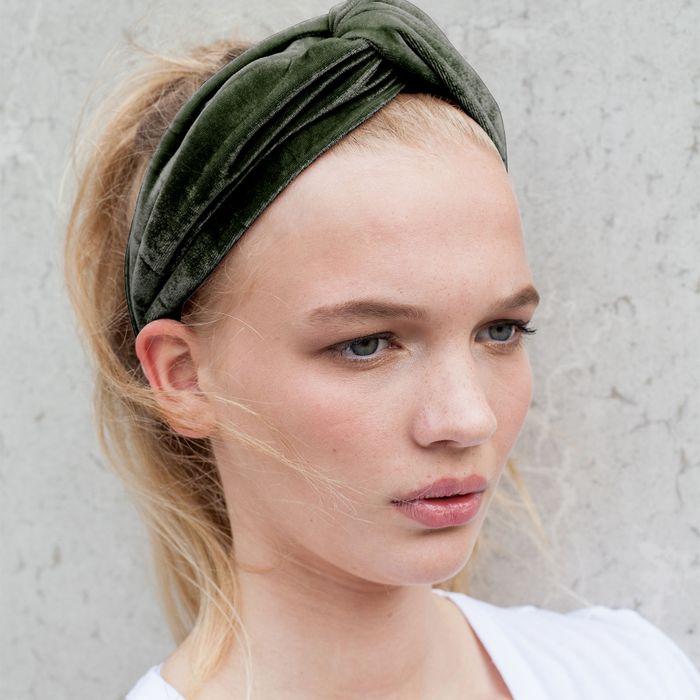 Donkergroene velvet haarband