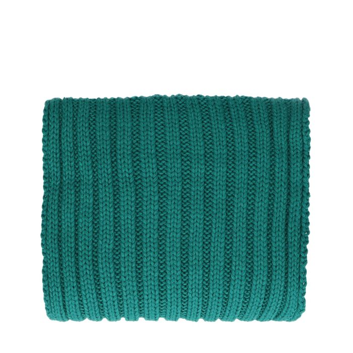 Smaragdgrüner Grobstrickschal