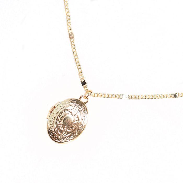 Goldene Kette mit Medaillon