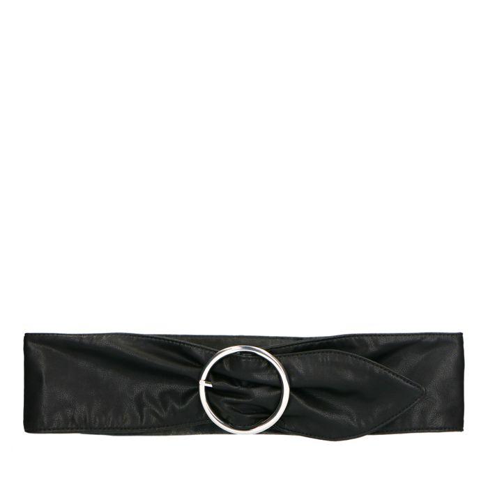 Schwarzer Taillengürtel mit silberner Schnalle
