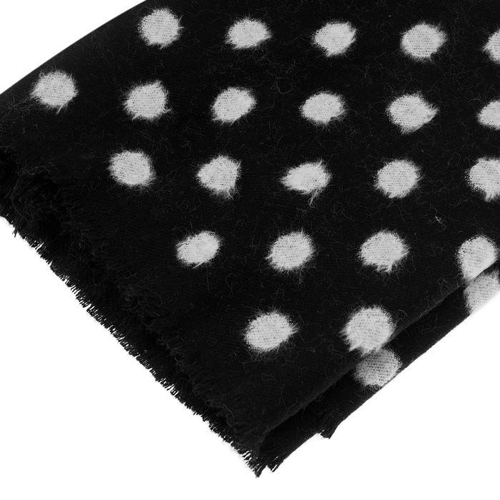 Schwarzer Schal mit weißen Punkten