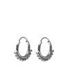 Silberfarbene Ohrringe mit Detail