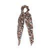 Bruine snakeskin scrunchie met strik
