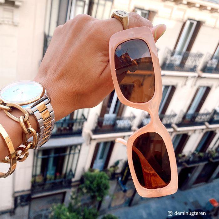 Beige rechthoekige zonnebril