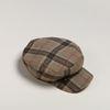 Beige geruite baker boy hat