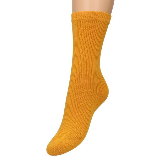 Okergele sokken met ribbels