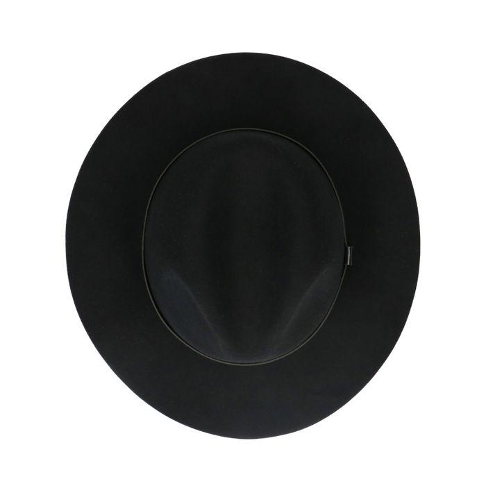 Zwarte wollen hoed